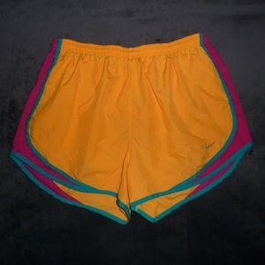 Nike Dri-Fit Tempo Run Shorts L
